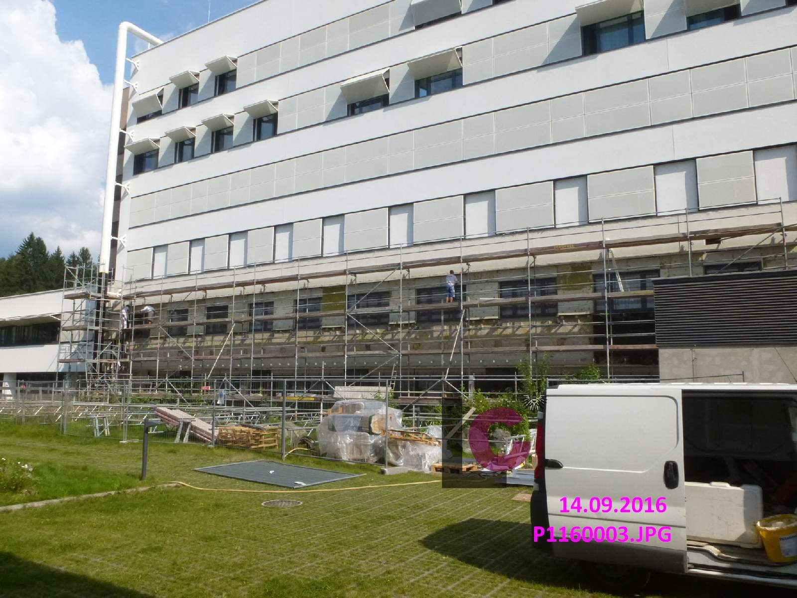 Window replacement and facade renovation in the adult wing 1, LKH Leoben